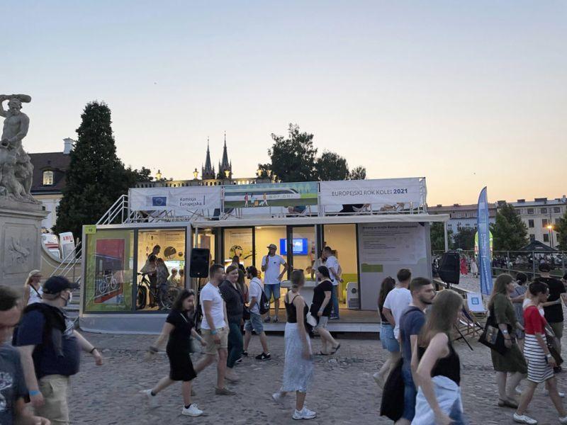 Kreacja i realizacja strefy Przedstawicielstwa Komisji Europejskiej w Polsce na Białystok New Pop Festival 21.